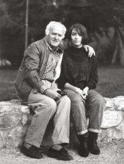 Ο Γιώργος Καραμάνος με τη μια από τις δύο κόρες του, Βάλια